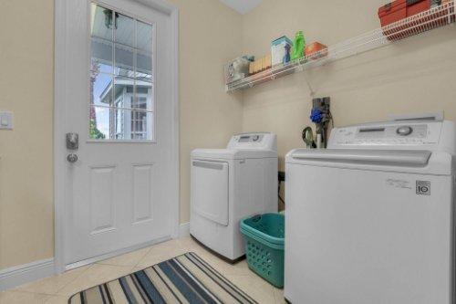 27701-Cypress-Glen-Ct--Yalaha--FL-34797----35---Laundry.jpg