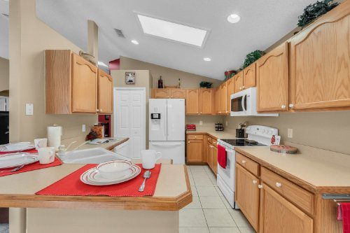 8062-indian-creek-boulevard--kissimmee--fl-34747----27.jpg