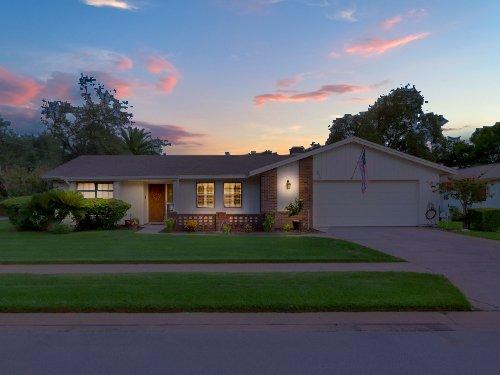 full-size-13281-206-harrogate-place--longwood--fl-32779----01-320de2e0-twilight.jpg