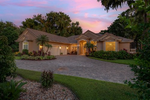 815-lake-shore-drive--leesburg--fl-34748----05---twilight.jpg
