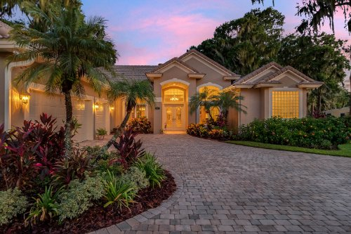 815-lake-shore-drive--leesburg--fl-34748----07---twilight.jpg