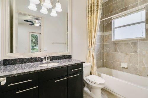 14624-bahama-swallow-boulevard--winter-garden--fl-34787---bathroom---01.jpg